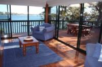 Catalina Cottage on Lake Macquarie
